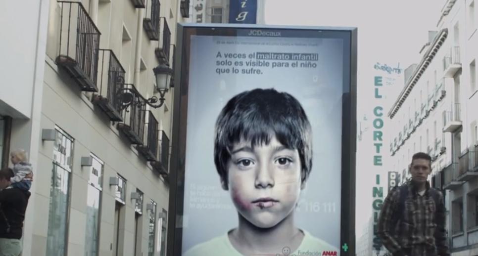 Plakat gegen Kindesmissbrauch