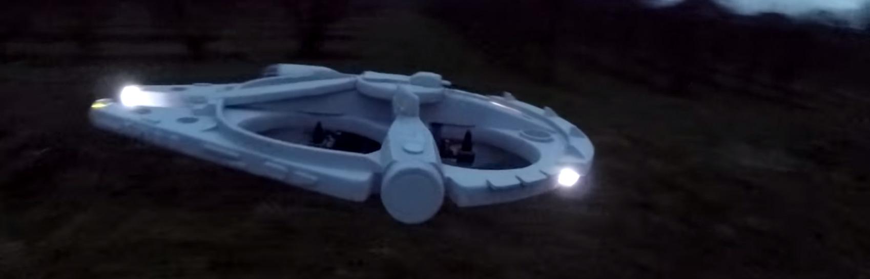 Einen Millennium Falcon als Drone gebaut. Weil es geht.