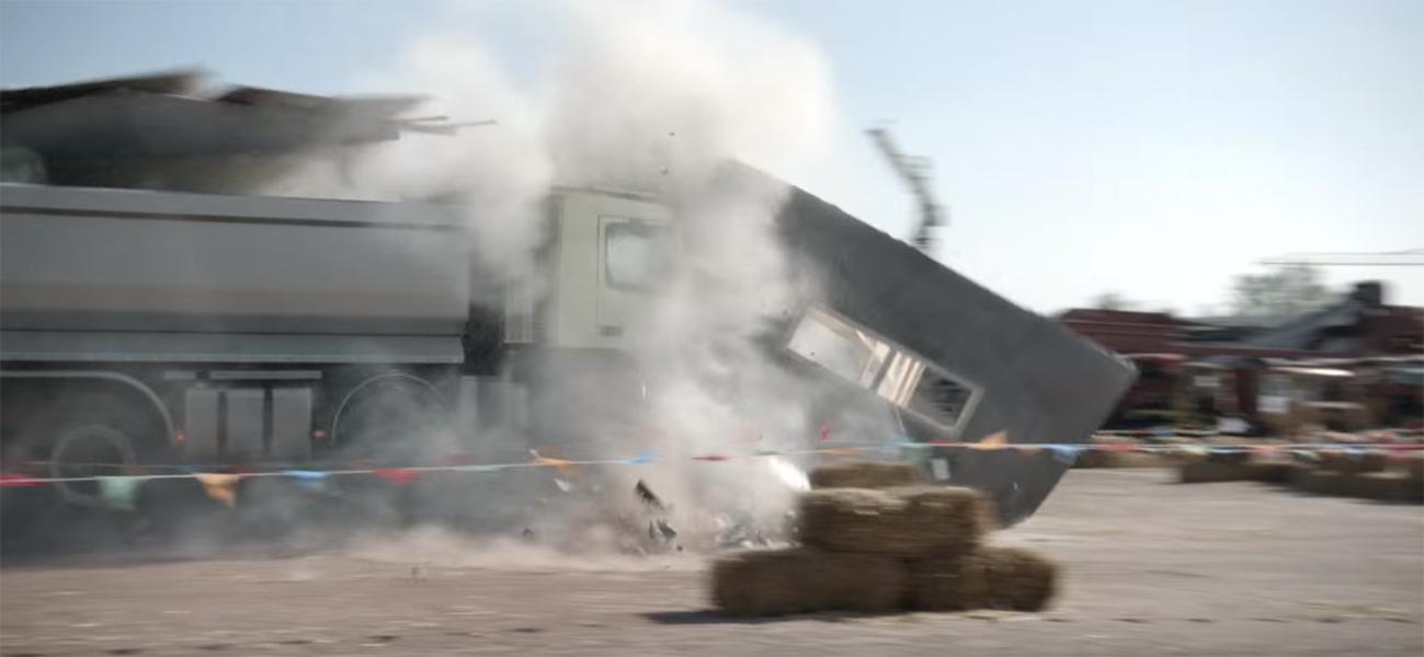 Vierjährige testet Volvo Truck
